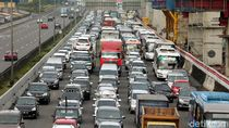 Libur Long Weekend, Tol Jakarta-Cikampek Macet 26 Km