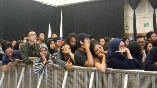 Lagu Paramore Diputar, Fans Tetap Merasa Sedih