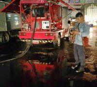 Air Disedot, Banjir di Jl Boulevard Kelapa Gading Surut