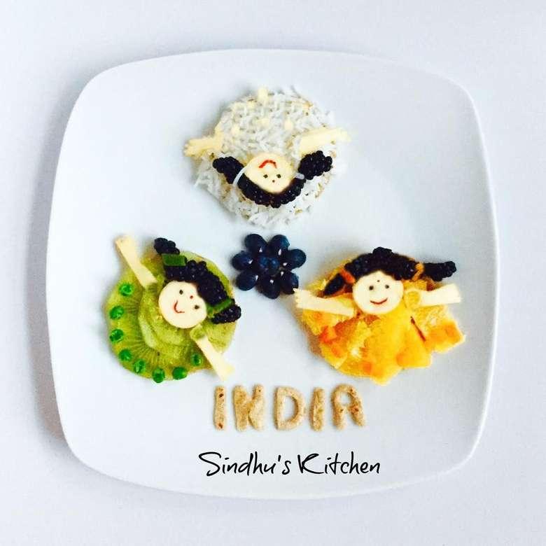 Sindhu Rajan memang ibu yang kreatif. Lihat saja, bagaiamana ia menghias makanan untuk si kecil dengan bentuk yang imut dan menggemaskan. Foto: Sindhu Rajan