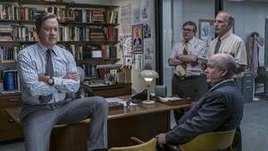 Eksklusif! Michael Stuhlbarg Bicara Soal Spielberg di Red Carpet Oscar 2018