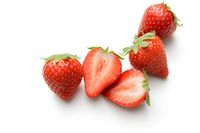 Strawberry yang Manis Asam Punya 8 Manfaat Sehat Ini