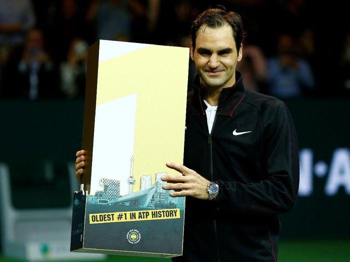 Roger Federer jadi petenis peringkat 1 dunia tertua. (Foto: Michael Kooren/Reuters)