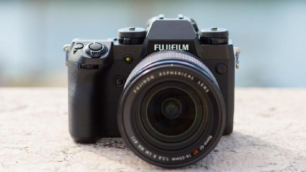 Fujifilm X-H1 disebut-sebut punya performa tinggi di jajaran seri X. Foto: trustedreviews
