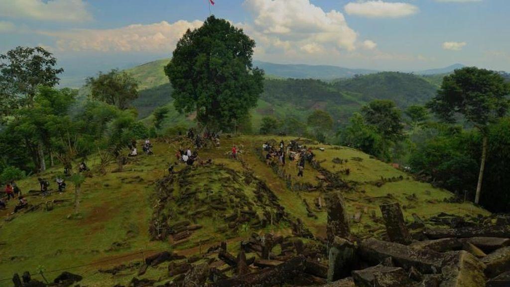 Sisi Lain Gunung Padang yang Harus Kamu Tahu