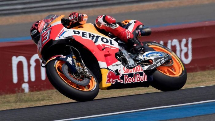 Marc Marquez dalam tes pramusim di Buriram (Foto: Mirco Lazzari gp/Getty Images)