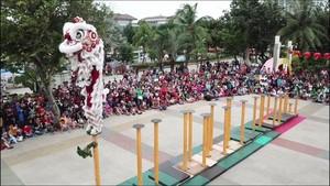 Wisatawan di Ancol Dihibur Juara Dunia Barongsai Tonggak