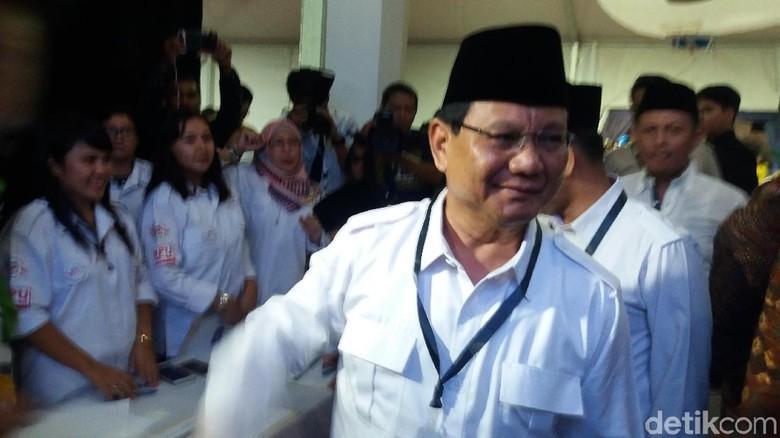 Prabowo dan Sandiaga Hadiri Pengundian Nomor Urut Pemilu 2019