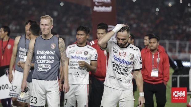 Bali United menempel ketat Persib Bandung di puncak klasemen Liga 1 2018.
