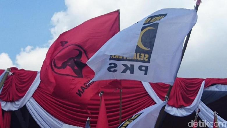 Bendera PKS dan PDIP Berbaur di Deklarasi Kampanye Damai Pilgub Jatim