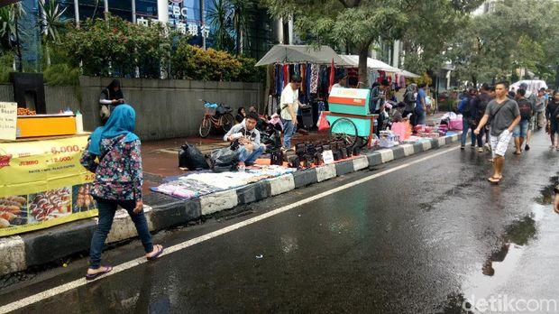 Pemprov Dki Atur Lokasi Lapak Pkl Di Car Free Day Jalan Thamrin