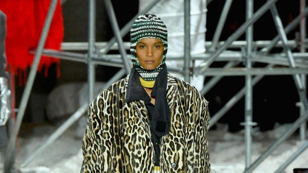Stop Kekejaman pada Hewan, 10 Desainer Tolak Pakai Bulu Hewan Asli