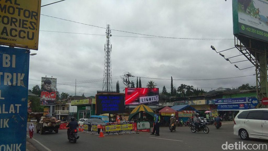 Jalan Mau Dilebarkan, PKL di Jalur Puncak Bakal Digusur