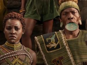 Inilah Suku dengan Piringan di Bibir yang Dipimpin Black Panther