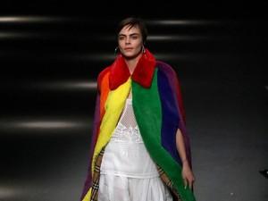 London Fashion Week Larang Desainer Tampilkan Baju Berbulu Hewan