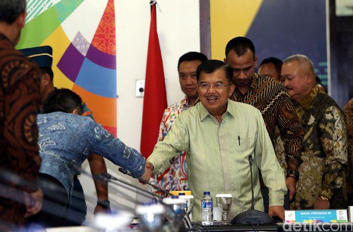 Wakil Presiden Jusuf Kalla (JK) memimpin rapat koordinasi evaluasi persiapan penyelenggaraan Asian Games 2018.