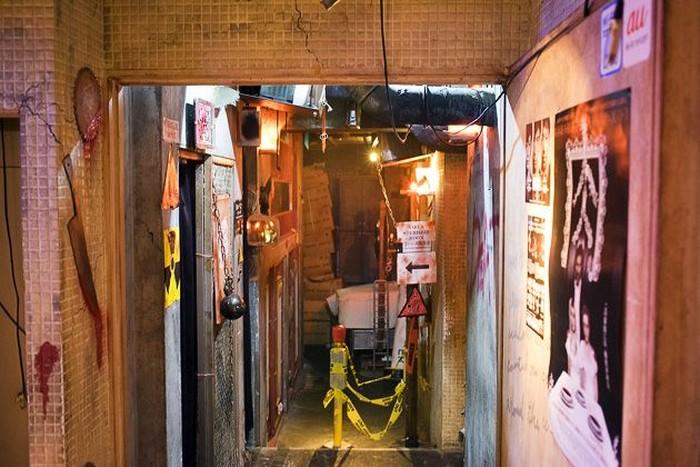 Terletak di salah satu ruko pertokoan yang berada di wilayah Shibuya. Alcatraz ER, menawarkan pengalaman makan yang menegangkan juga menyenangkan. Foto: Istimewa