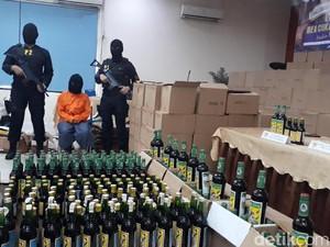 Bea Cukai Jabar Gagalkan Peredaran Miras Oplosan oleh IRT