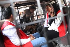 Bos First Travel Tinggalkan PN Depok