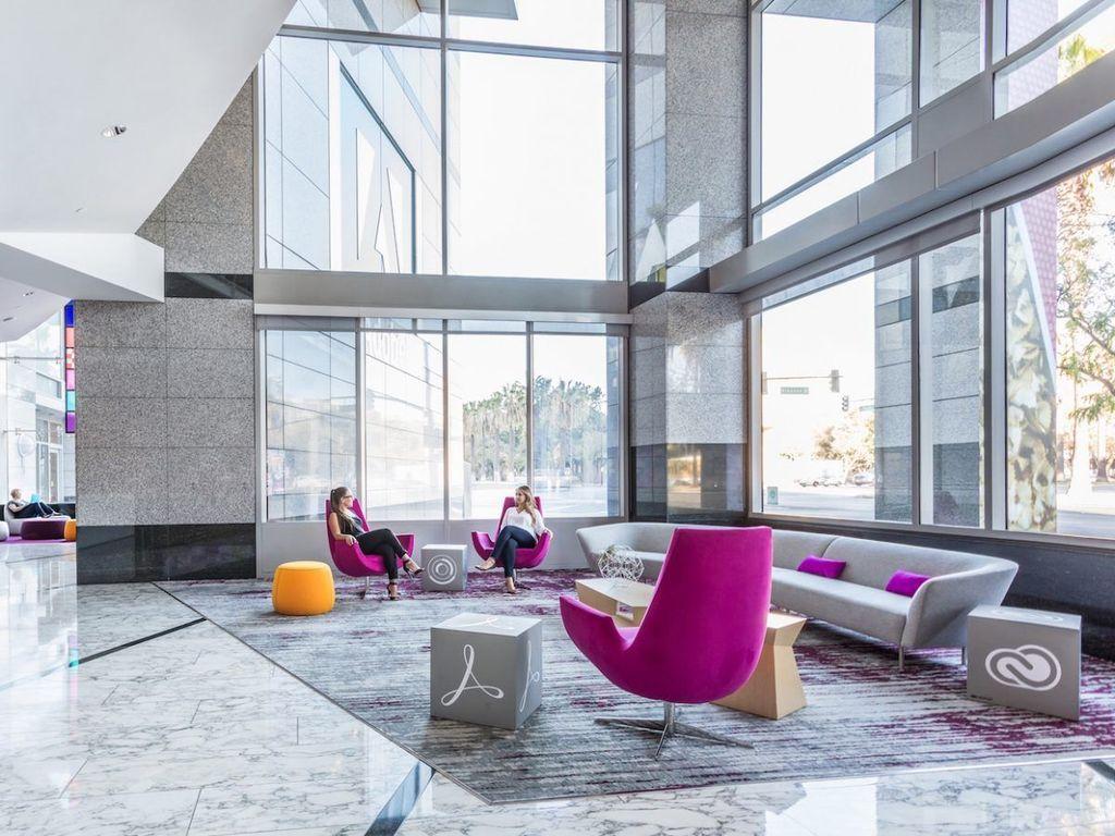 Pada tahun 1994, Adobe memilih lokasi pusat kota San Jose, Californa sebagai kantor pusatnya. Pada tahun 2017 kantor ini baru saja selesai direnovasi. (Foto: Emily Hagopian/Business Insider)