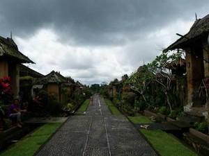 Desa di Bali yang Benci Poligami