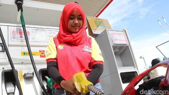 Shell Indonesia meluncurkan produk bahan bakar baru Shell Regular yang diformulasikan dengan Teknologi Dynaflex dengan harga terjangkau Rp 8.400 per liter.