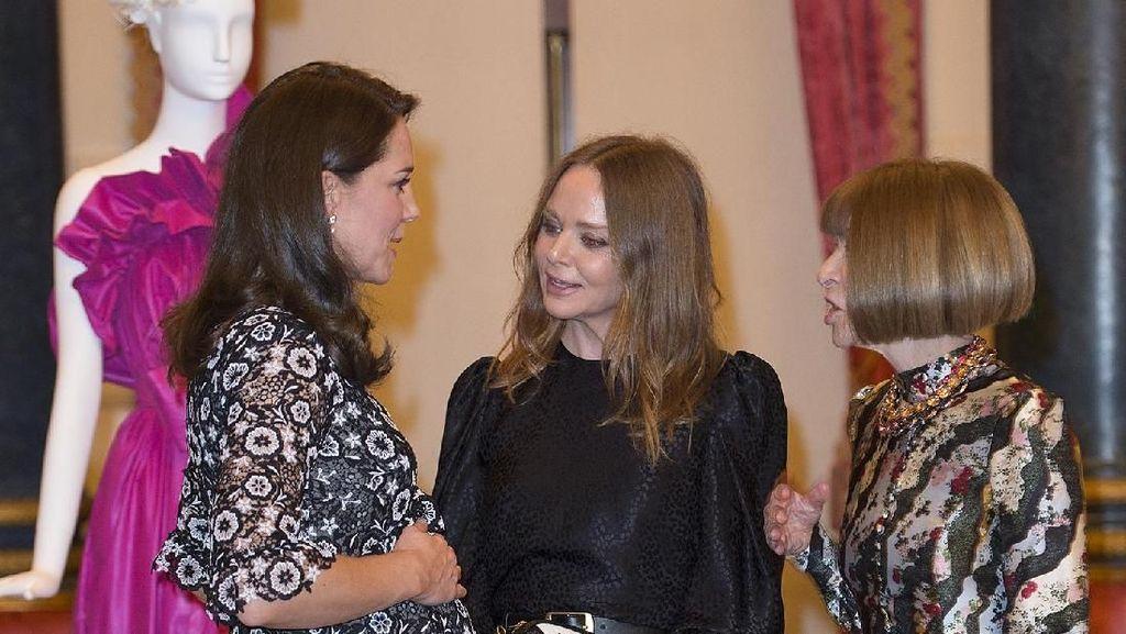 Momen Kate Middleton Bertemu Ratu Fashion Setelah Picu Kontroversi di BAFTA