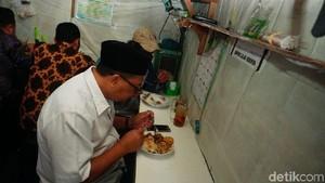 Nostalgia Cawalkot Oded Makan di Warteg Pinggir Pasar Bandung