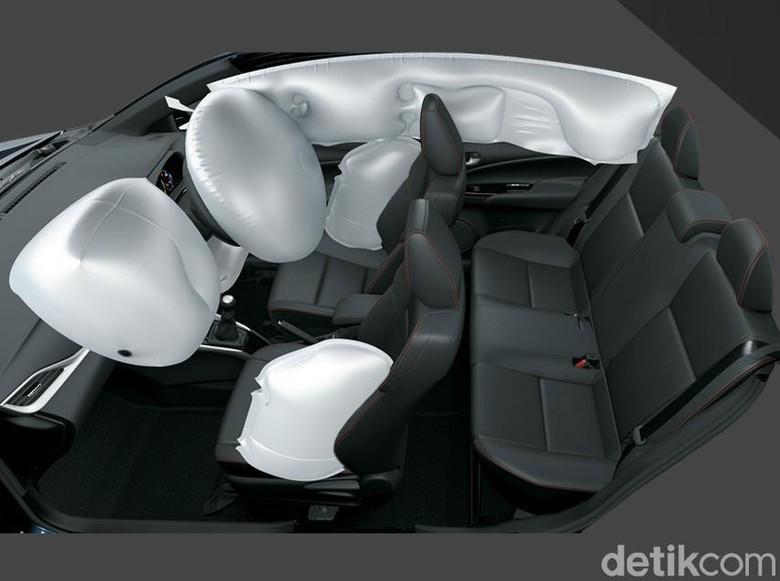 Kantung udara atau airbag pelindung pengendara dan penumpang Foto: Toyota