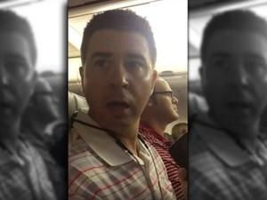 Kejutan Romantis Berupa Selundupkan Bayi di Pesawat
