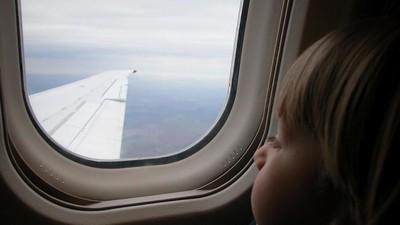 Cerita Pramugari Tenangkan Balita yang Rewel di Pesawat