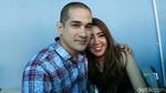 Reza Rahadian dan Adinia Wirasti Kompak Banget