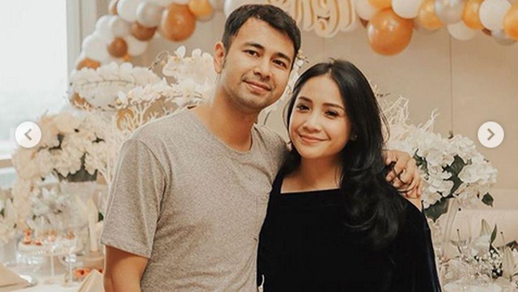 Tak Terima Suami Diusir Ibu, Nagita Slavina Cium Mesra Raffi Ahmad