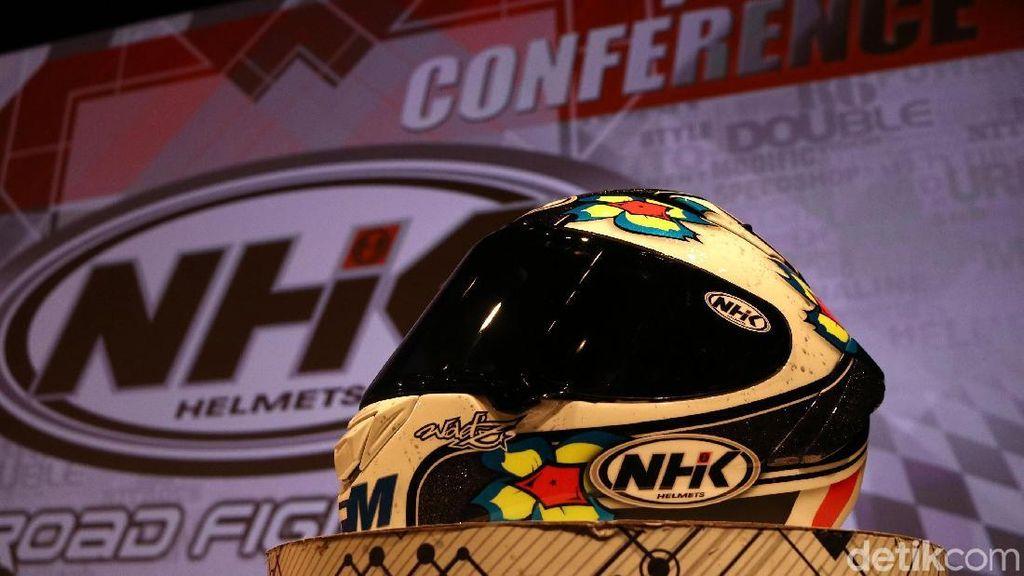 Ini Bedanya Helm MotoGP dan Helm Biasa