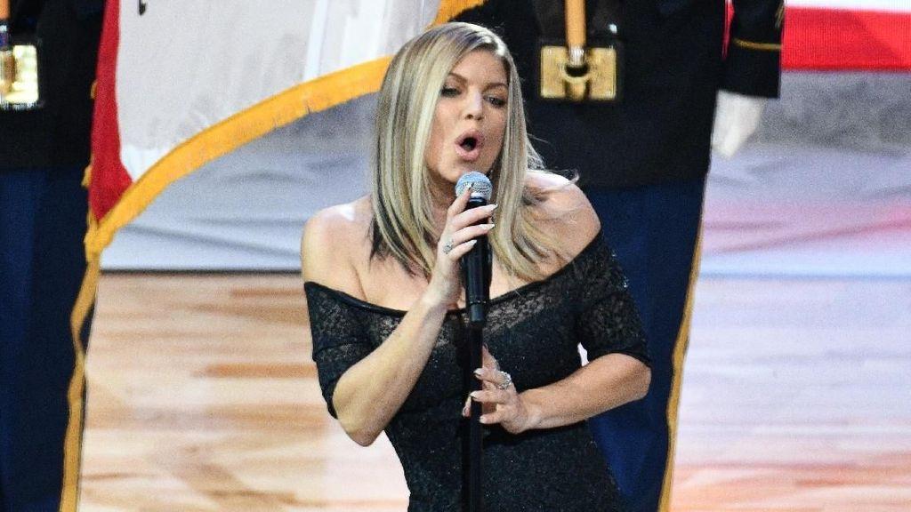 Untuk Urusan Anak, Penyanyi Fergie dan sang Mantan Tetap Kompak