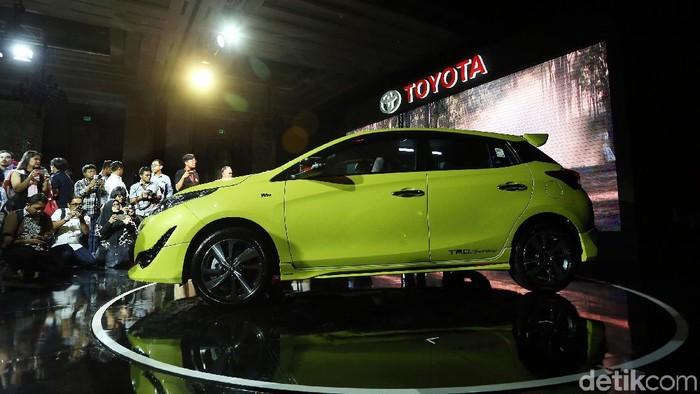 Toyota meluncurkan Yaris yang lebih canggih di Grand Ballroom, Kempinsky, Jakarta, Selasa, (20/2/2018). Mobil dijual mulai Rp 235 juta sampai Rp 275,9 juta. Yaris memiliki 3 tipe yakni E, G dan TRD Sportivo masing-masing dengan transmisi manual dan otomatis.