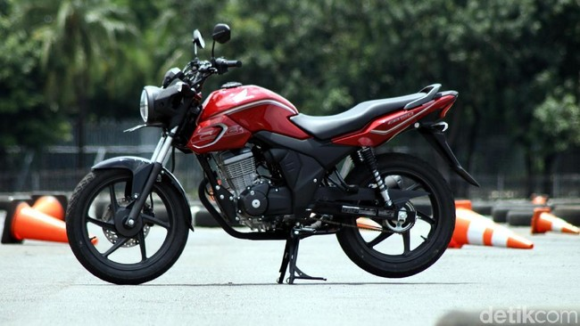 Jajal Singkat Honda CB150 Verza Foto: Rifkianto Nugroho