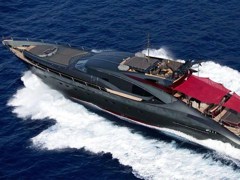 Bintang sepakbola Cristiano Ronaldo atau yang akrab disapa CR7 diketahui memiliki yacht mewah berwarna hitam bernama Palmer Johnson Ascari. Nilainya pun mencapai 142 miliar (yachtcharterfleet)