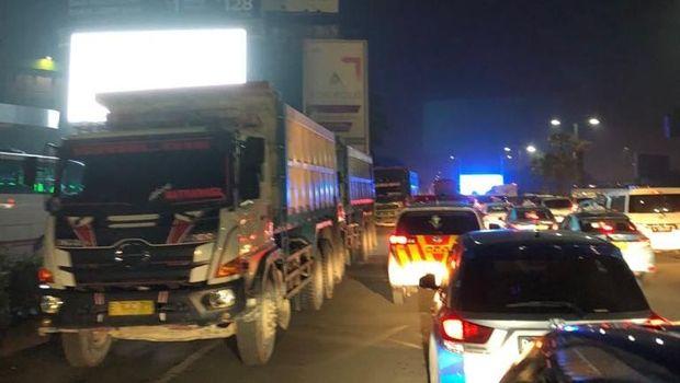 Kena Macet Jelang Bandara Cengkareng, Anggota DPR Ketinggalan Pesawat