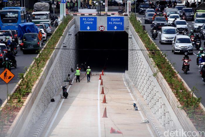 Begini penampakan terkini pembangunan underpass Kartini di perempatan Jl Metro Pondok Indah, Jakarta Selatan, Rabu (21/2/2018).