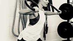 Tessa Jane McCormick Virtue adalah seorang ice dancer yang hebat dan berprestasi. Pantas saja, lihat dulu usahanya untuk memenangkan banyak kejuaraan.