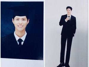 Lulus Kuliah, Ini Foto-foto Kelulusan Park Bo Gum