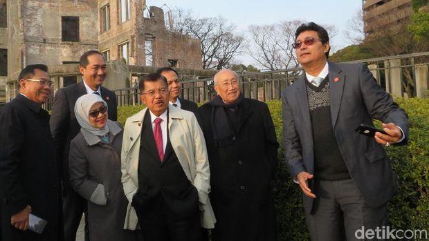 Wapres JK kunjungi monumen bom atom Hiroshima.