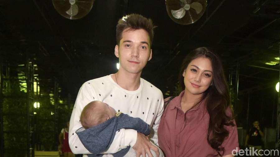 Keluarga Kecil Stefan William dan Celine Evangelista