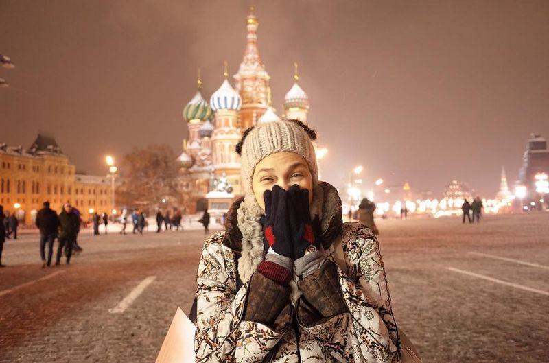 Dilihat dari lama Instagram Luna Maya, artis cantik ini baru saja berlibur ke Red Square di Moskow, Rusia. Fotonya pun baru diposting 2 hari yang lalu (@lunamaya/Instagram)