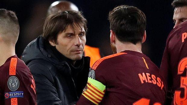 Antonio Conte mengatakan salah satu pusat permainan Barcelona adalah Andres Iniesta. (