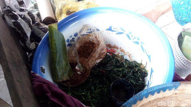 Sayuran dan lauk nasi jagung