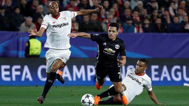 Alexis Sanchez akan kembali diandalkan untuk mendobrak pertahanan Sevilla. (