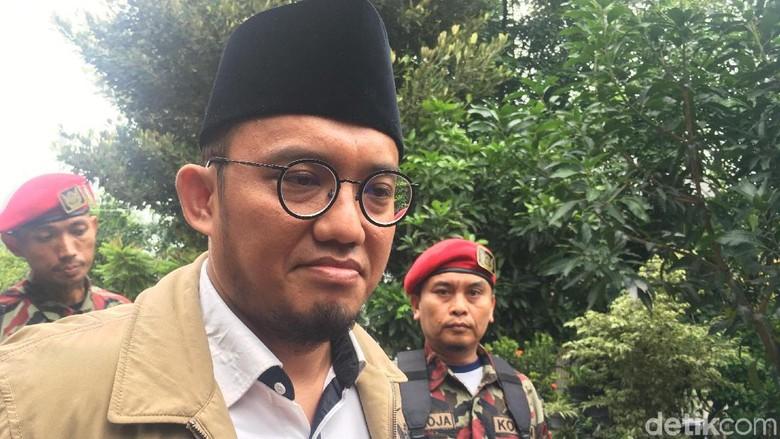 Fadli Zon Posting Ternyata Mereka PKI, Dahnil: Jangan Baper