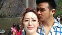 Intip lagi kemesraan Roby Geisha dan Cinta Ratu saat jalan-jalan. Foto: Dok. Instagram/cinta_ratu_nansya